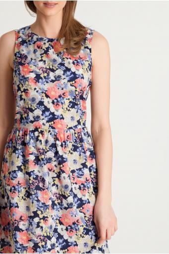 Wzorzysta sukienka odcinana w tali