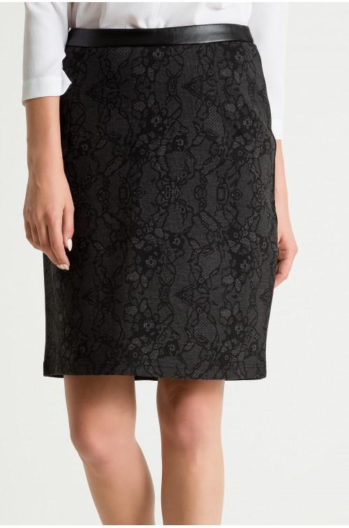 Spódnica dzianinowa z koronkowym wzorem