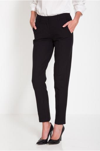 Eleganckie spodnie w kantkę zwężane ku dołowi