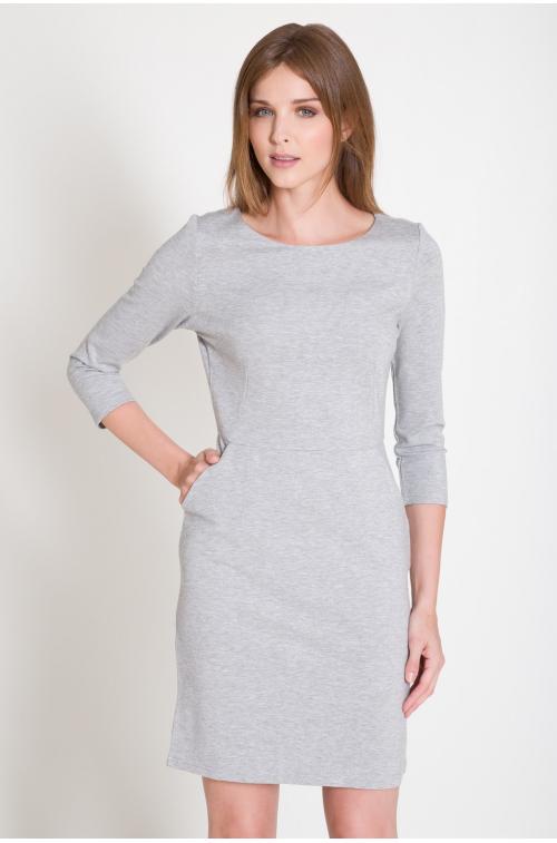 Sukienka z dużymi kieszeniami