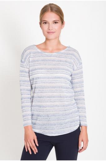 Luźny sweter z zaokrąglonym dołem
