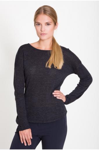Cienki sweter z półokrągłym dołem