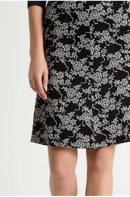Trapezowa spódnica w kwiaty