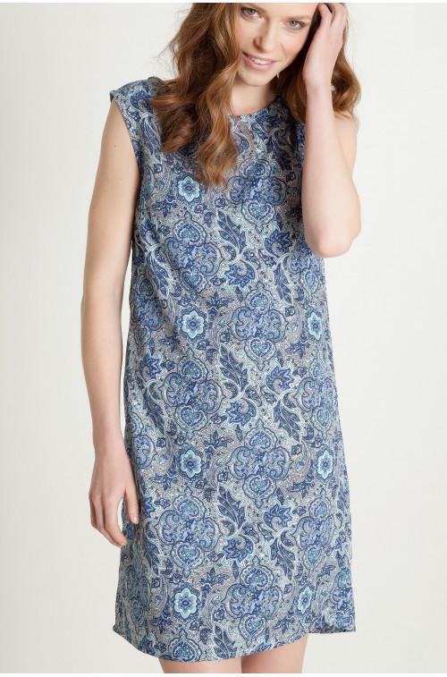 Sukienka z ozdobnym nadrukiem