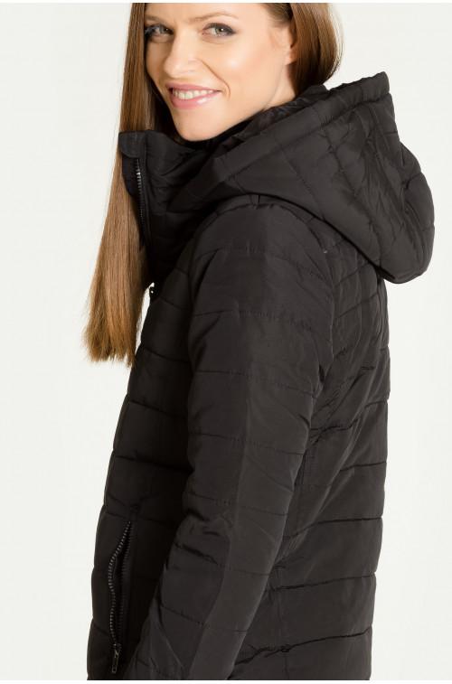 Pikowana kurtka z kapturem
