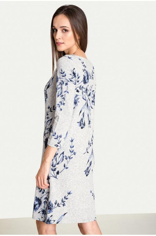 Prosta sukienka z motywem kwiatowym