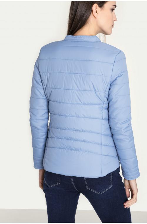 Pikowana kurtka z zamkiem