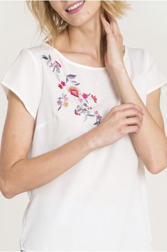 Elegancka bluzka z haftem