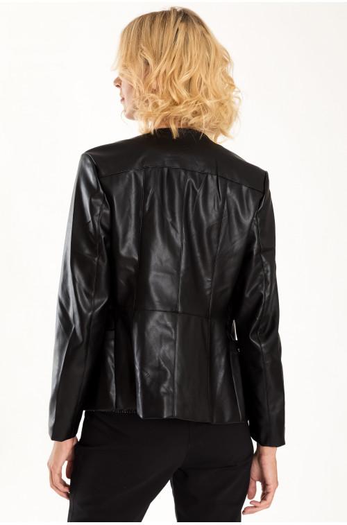 Dopasowana kurtka z ekologicznej skóry