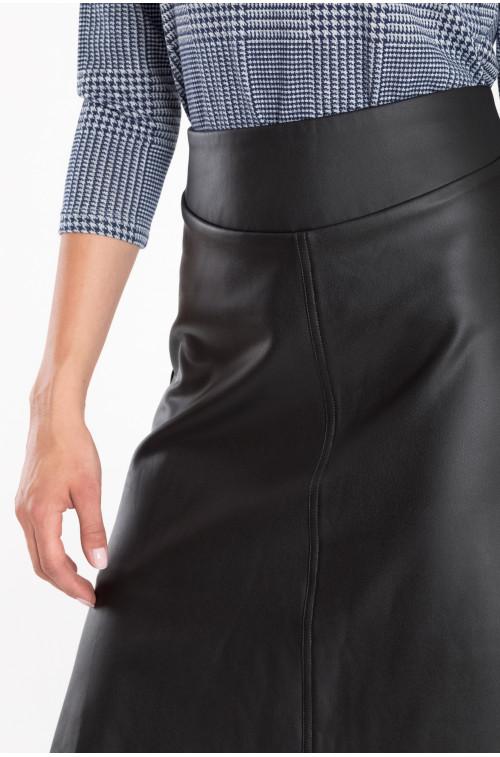 Rozkloszowana spódnica z ekologicznej skóry
