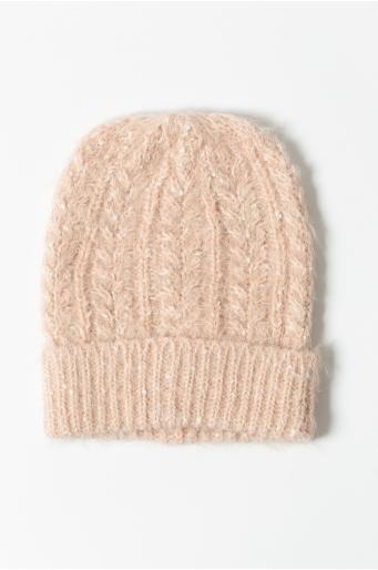 Ciepła czapka z ozdobnym splotem