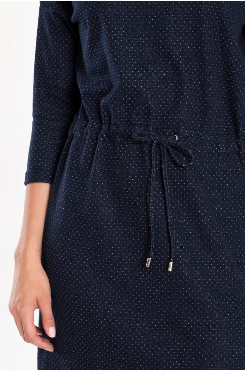 Luźna sukienka dzianinowa z troczkiem w talii
