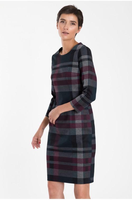 Dopasowana sukienka z motywem kraty