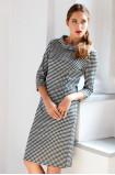 Dopasowana sukienka dzianinowa z motywem kraty