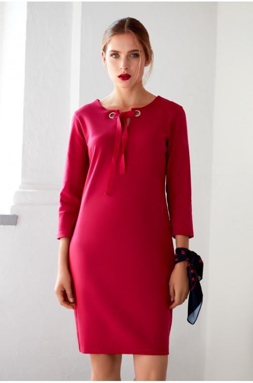 Czerwona elegancka sukienka dzianinowa
