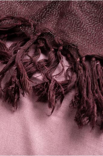 Elegancka apaszka z połyskującą nitką