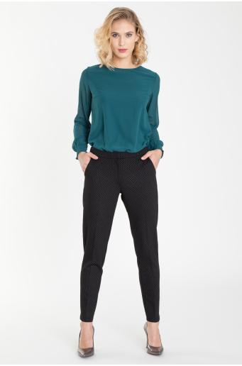Klasyczne spodnie z delikatnym nadrukiem