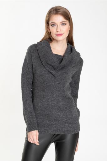 Sweter z otulającym golfem