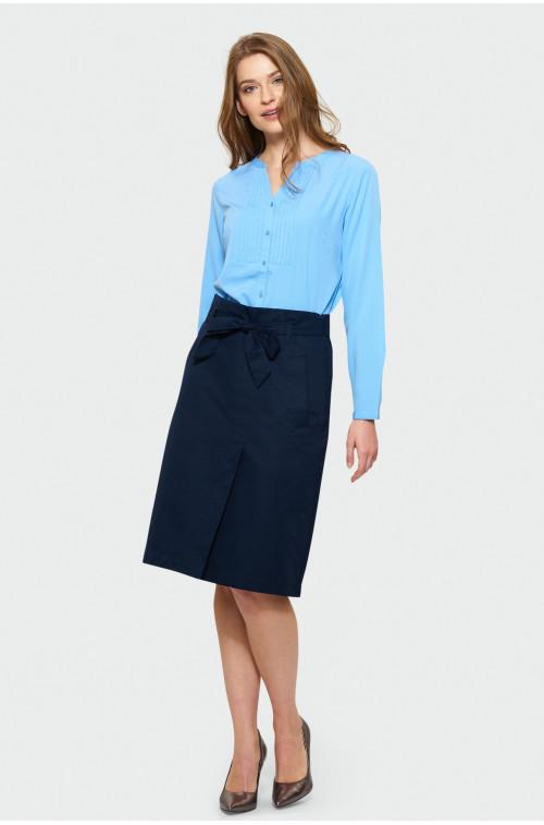 Niebieska elegancka bluzka z zakładkami