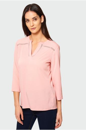 Różowa bluzka z ozdobną merażką