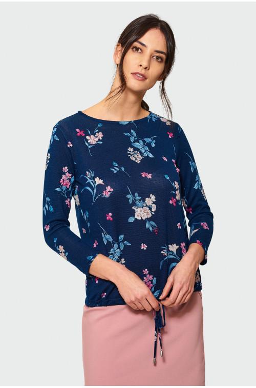 Luźny sweter z troczkiem