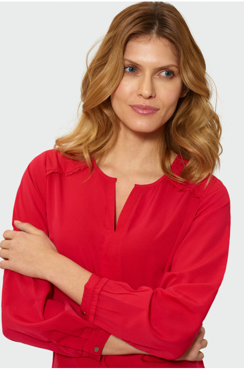 Bluzka z falbanami na rękawach