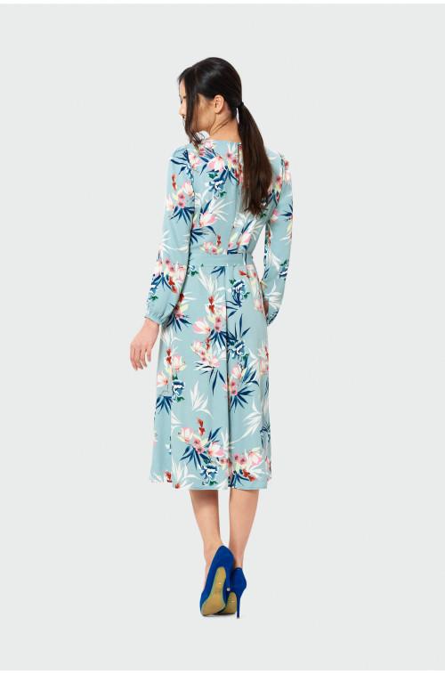 Wiskozowa sukienka z pasekiem