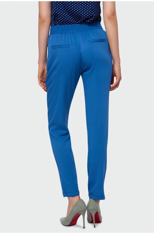 Błękitnie spodnie z paskiem