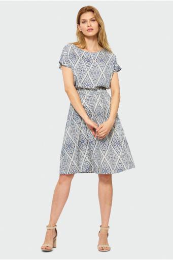 Luźna sukienka we wzory
