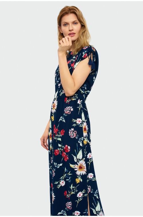 Długa sukienka z rozcięciem