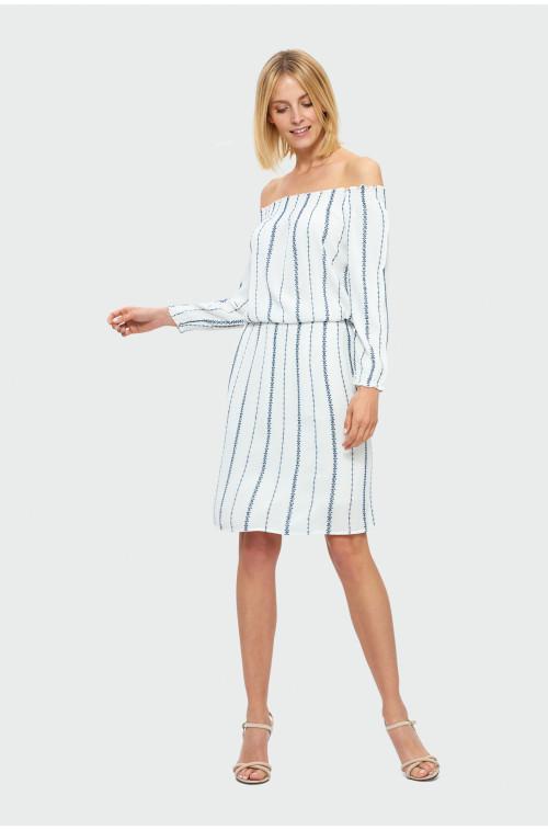 Sukienka typu carmen