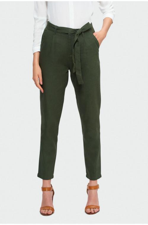 Oliwkowe spodnie z paskiem