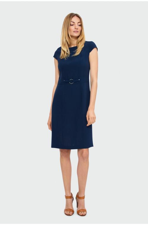 Elegancka sukienka z klamrą