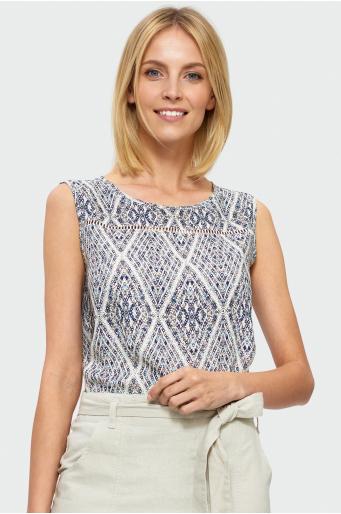 Wiskozowa bluzka z koronką przy dekolcie