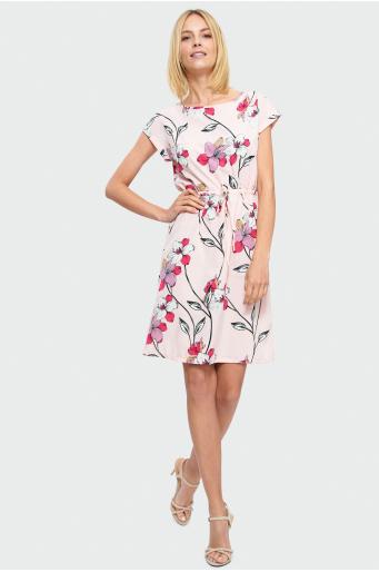 Sukienka z wiązaniem w talii