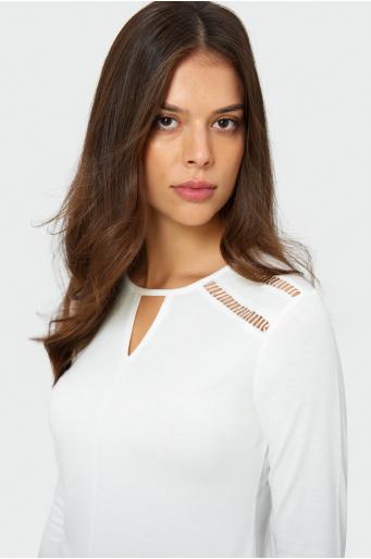 Biały top z odoboną mereżką