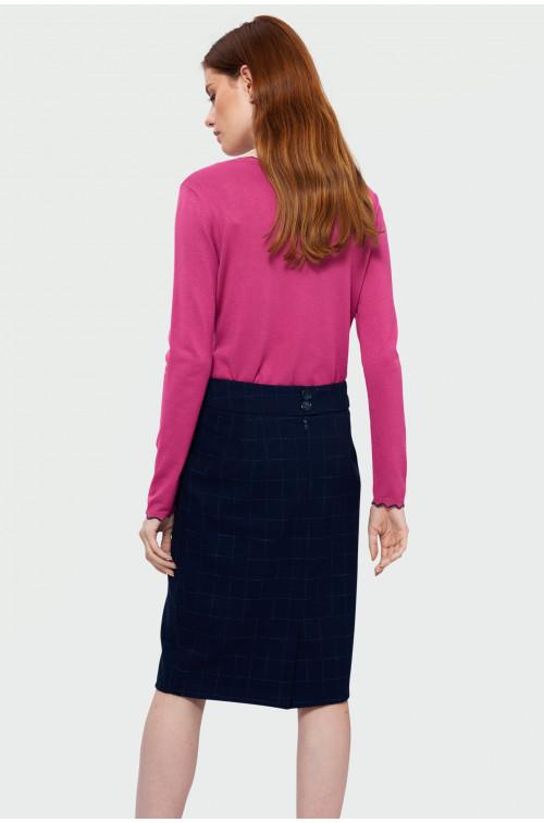 Sweter o dopasowanym kroju