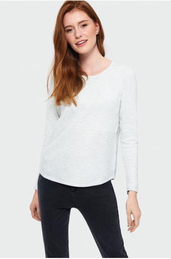 Dopasowany sweter z ozdobną strukturą