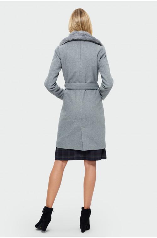 Klasyczny płaszcz z futrzanym kołnierzem