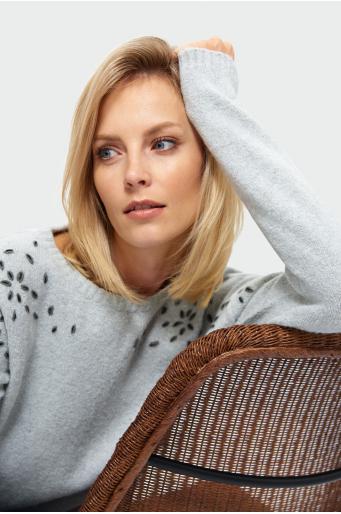Mięki sweter o luźnym kroju