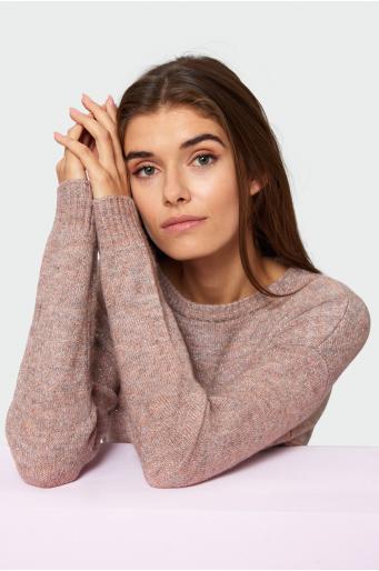 Sweter o luźnym kroju