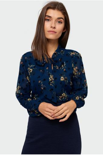 Elegancka bluzka z nadrukiem i ozdobnym wiązaniem