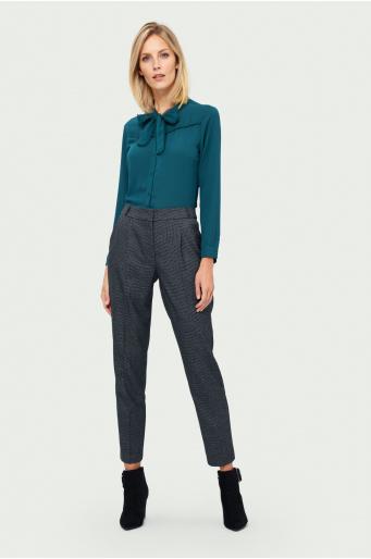 Klasyczne spodnie z zakładkami