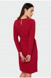 Sukienka z podkreśloną talią