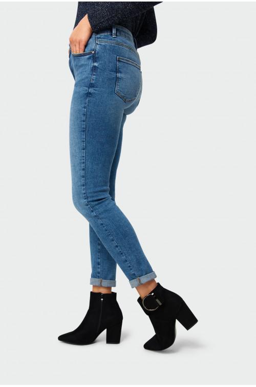 Jeansowe spodnie rurki