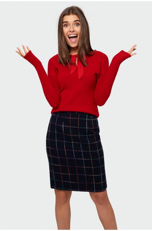Miękki sweter z wiązaniem