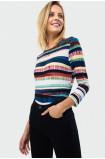 Wzorzysty sweter z troczkiem