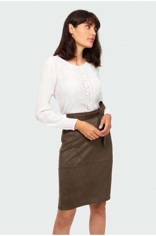 Elegancką bluzka z koronką