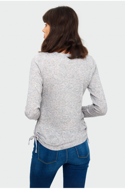 Sweter o prostym kroju z wiskozy
