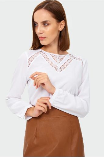 Elegancka bluzka z koronką